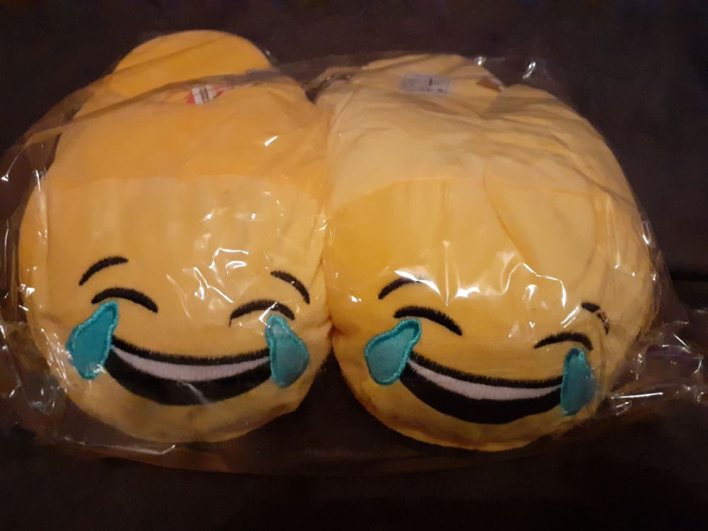 Adult Emoji Slippers ( Laughing ) ( Adult Sizes 10-11 )